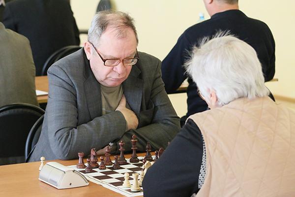 Владимир Малецкий на турнире экзаменует своих учеников