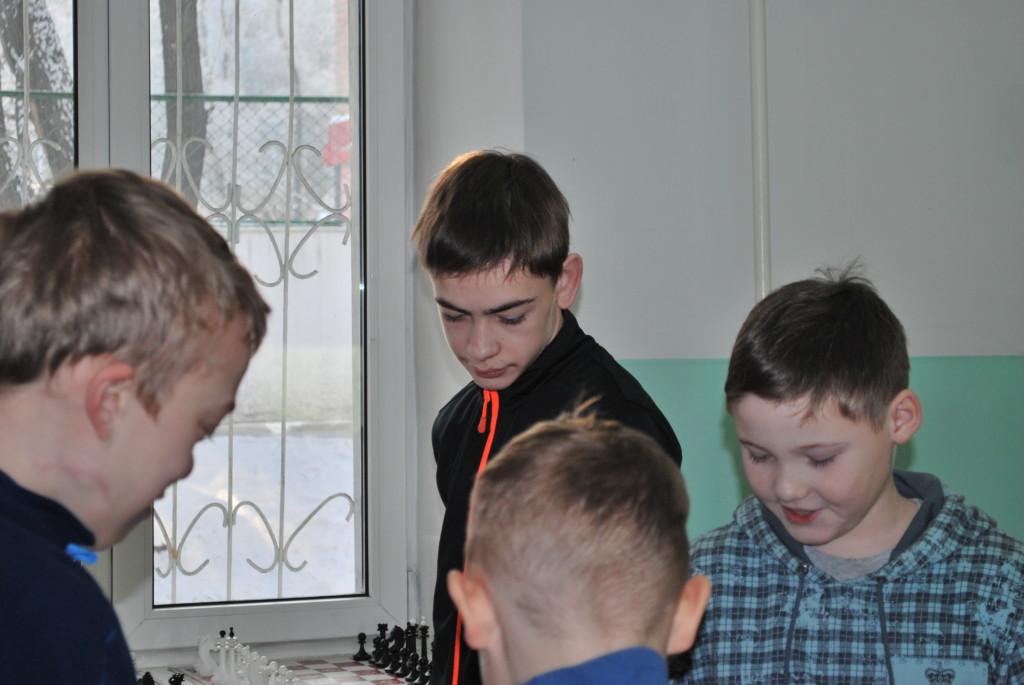 Игорь Тимченко, Серёжа Саитов. Перед пятым туром Рождественского турнира.