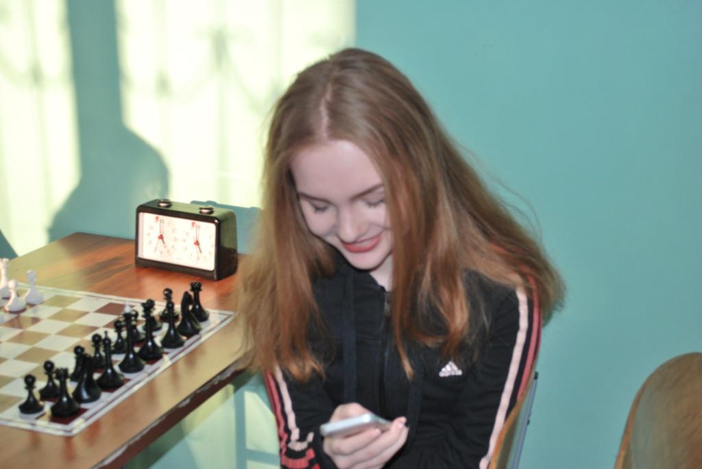 Вот такие вот красивые девочки-шахматистки.