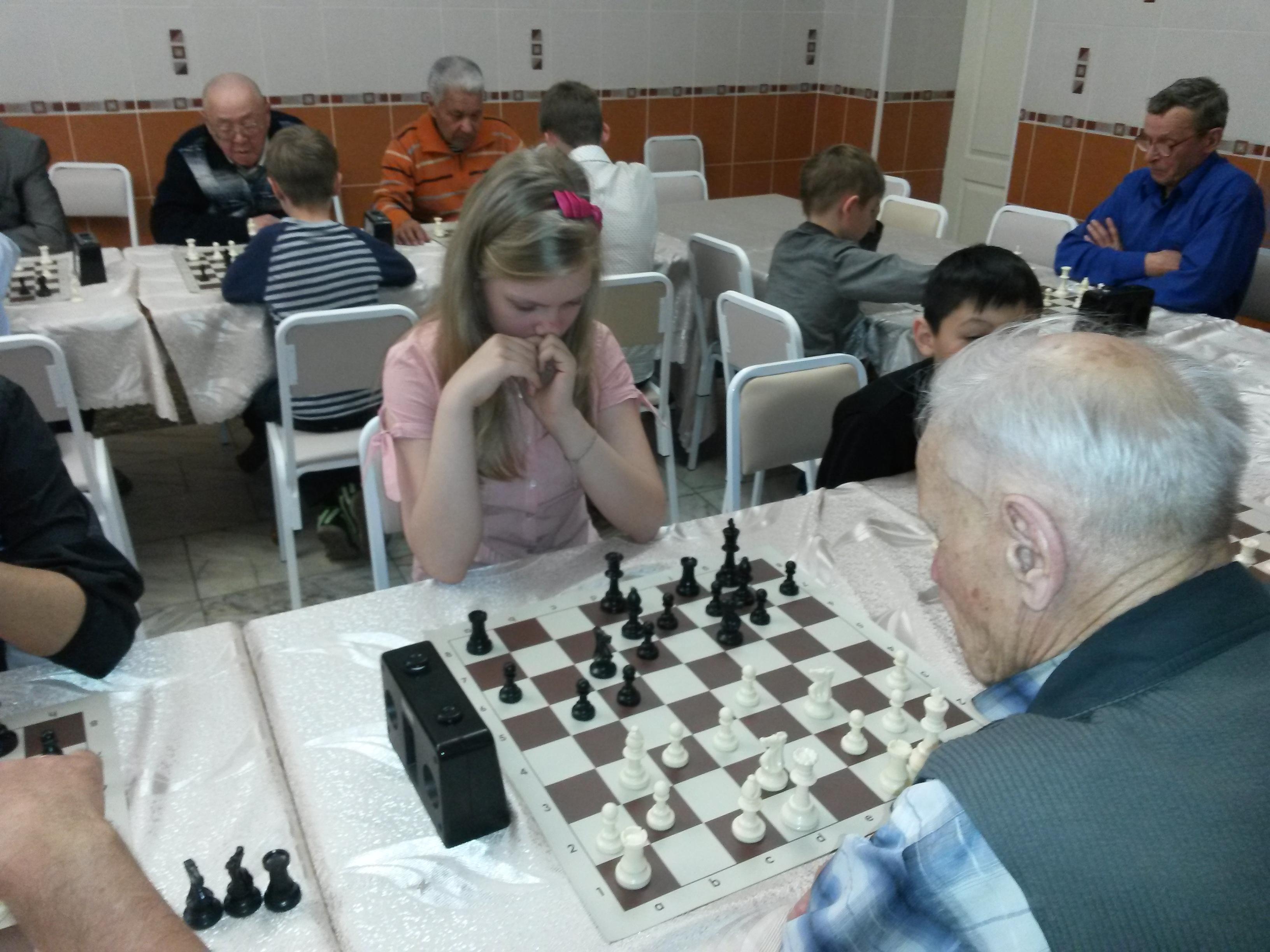 Единственная представительница прекрасного пола на матче - Полина Бабушкина