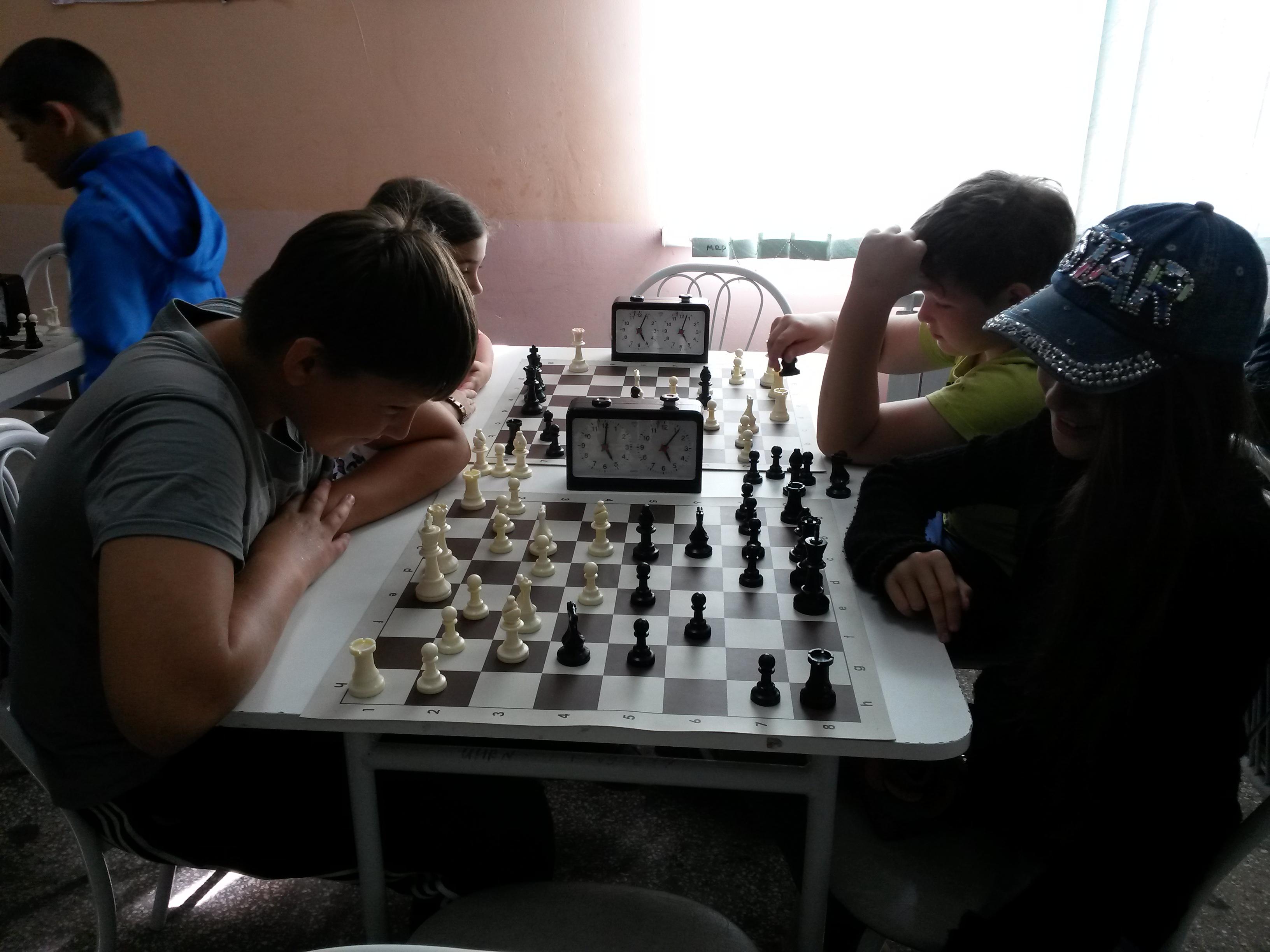 Денис Новиков(слева)-третий призёр турнира