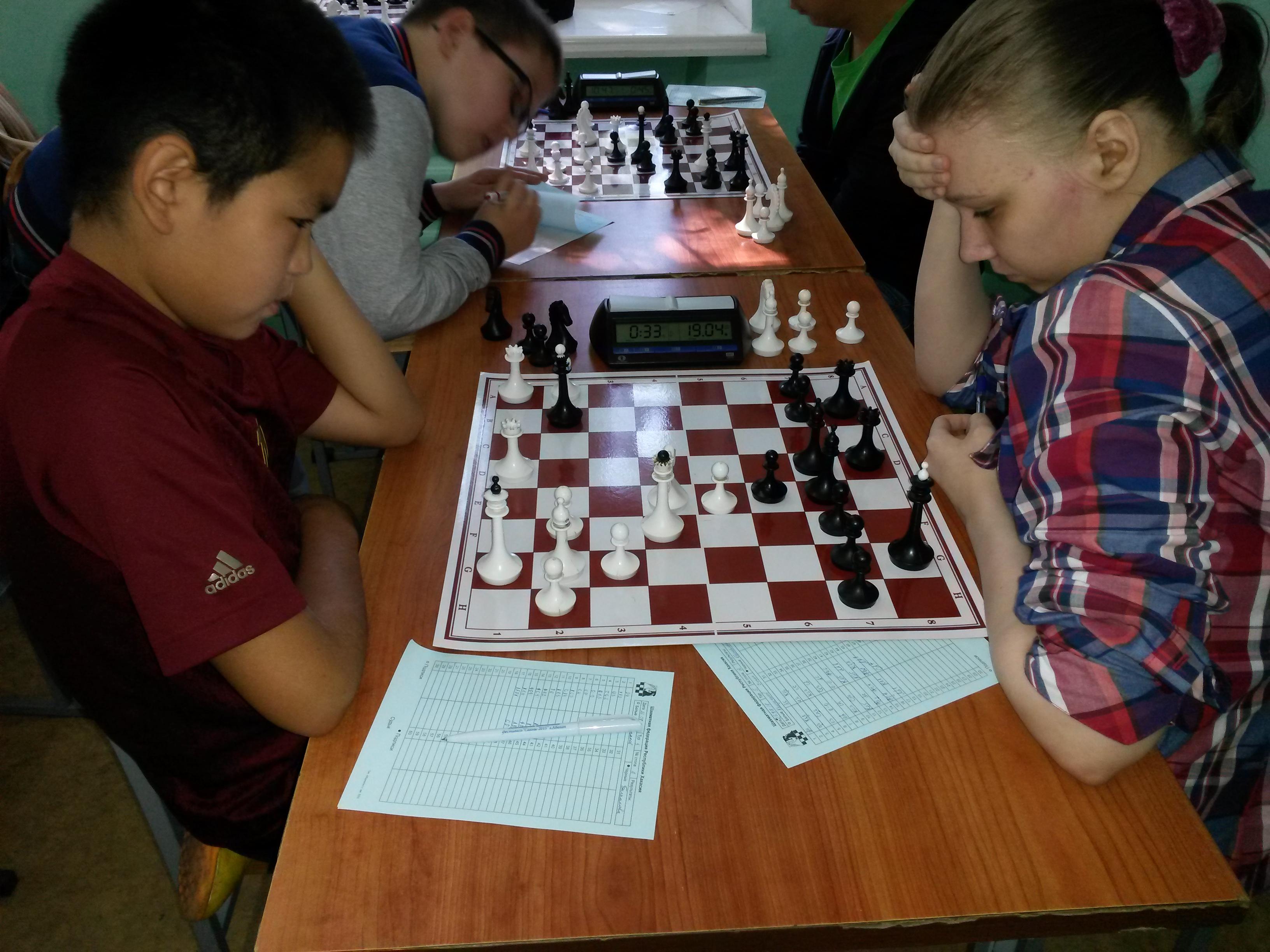 партия двух возможных призёров Михаила Канзычакова и Екатерины Беспаловой завершилась вничью.