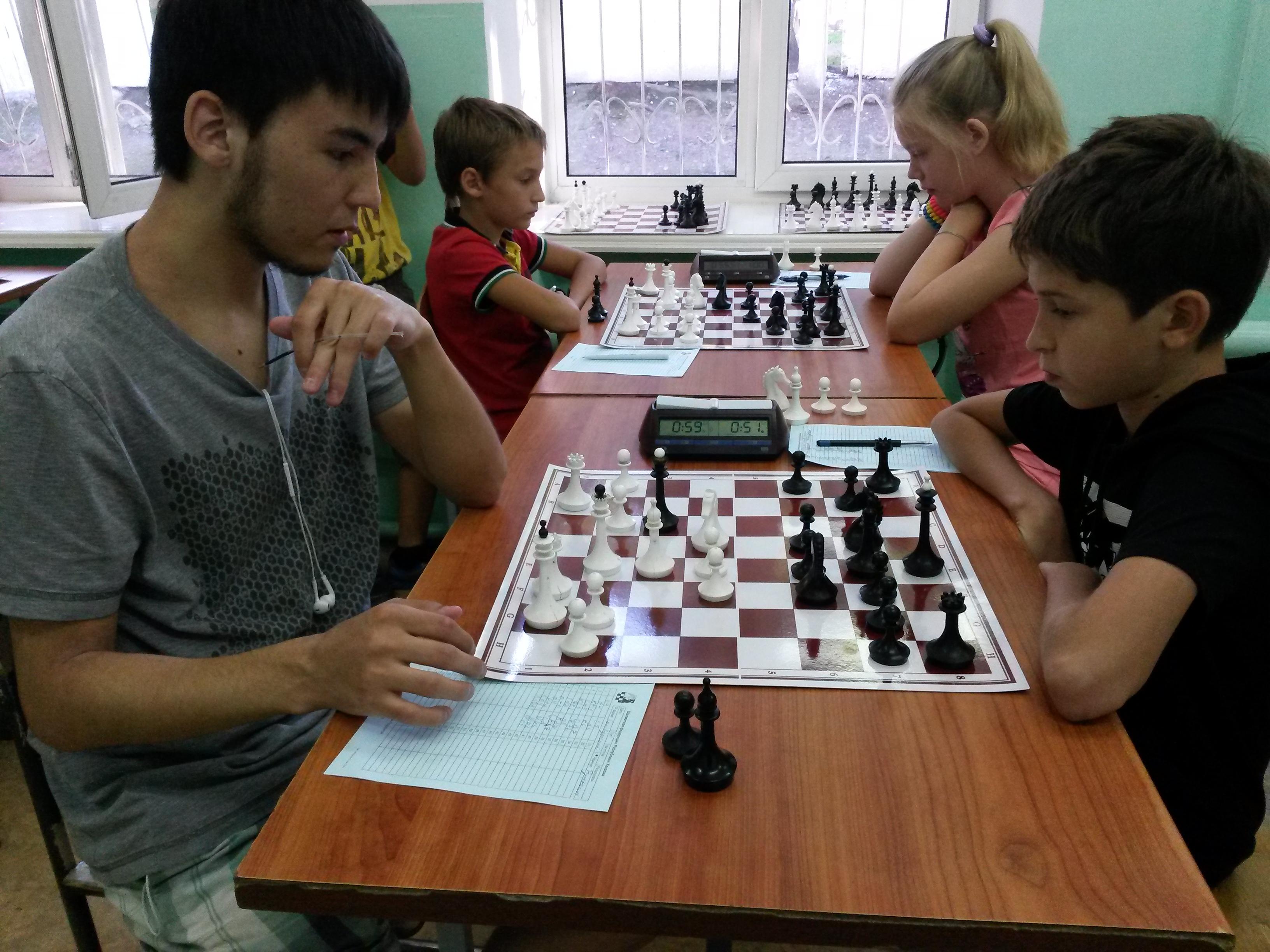 На переднем плане партия Самбурский - Гунькин,на дальнем Завьялов - Бабушкина