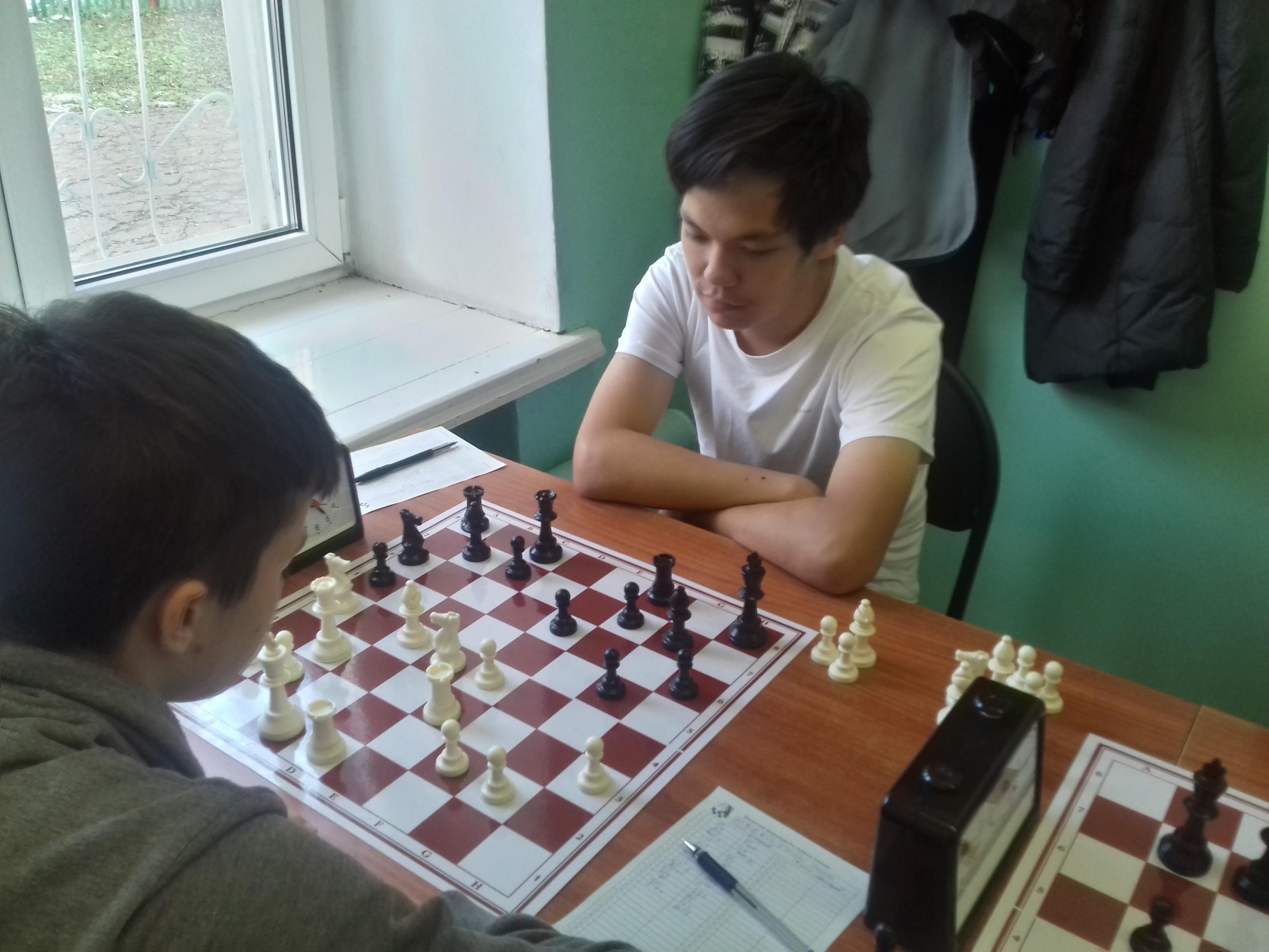 Рейтинг-лидер юношеских шахмат Хакасии не почувствовал сопротивления.