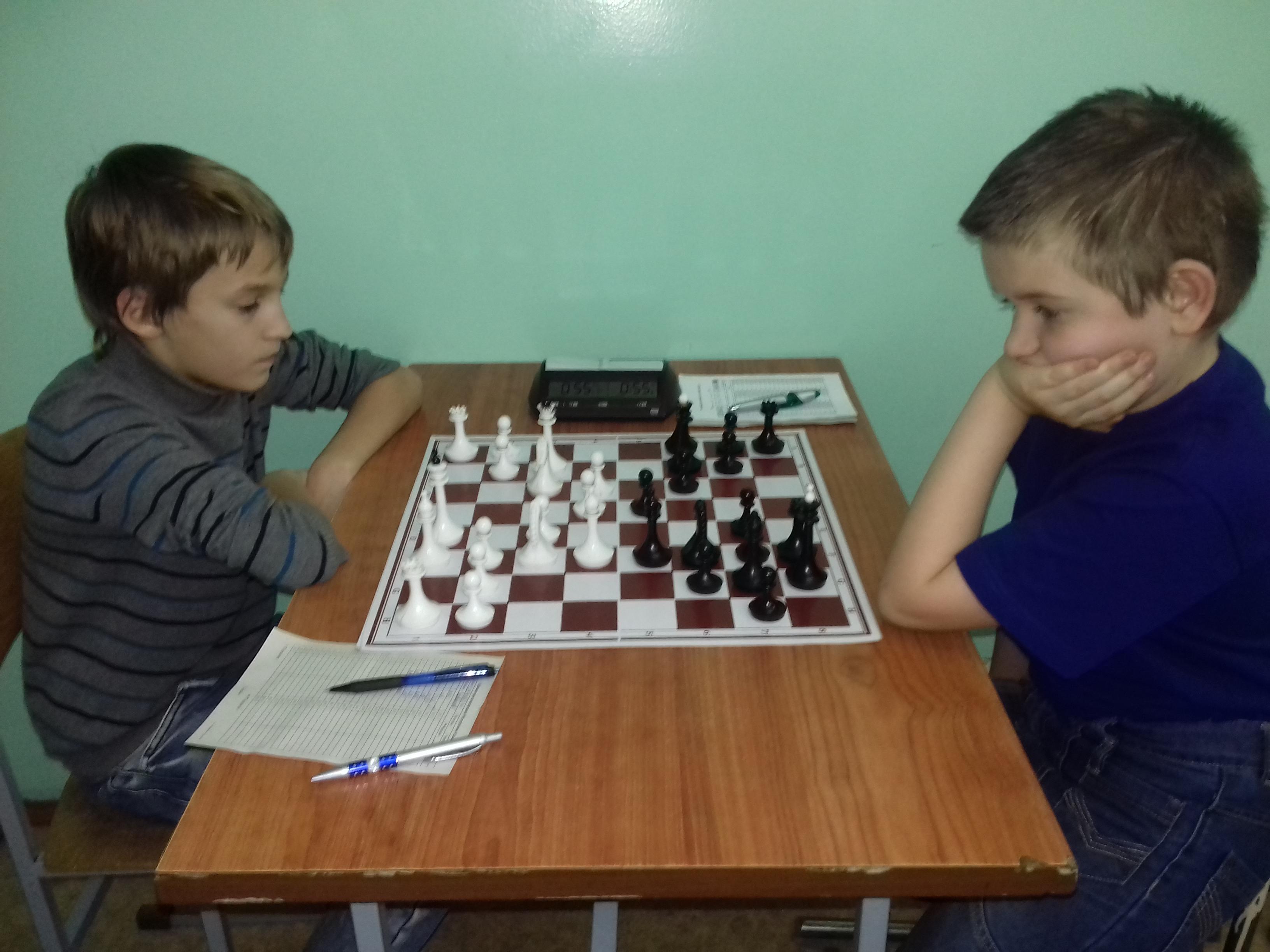 В этом году Харкевич(справа) чаще побеждает своего принципиального соперника Завьялова(слева).