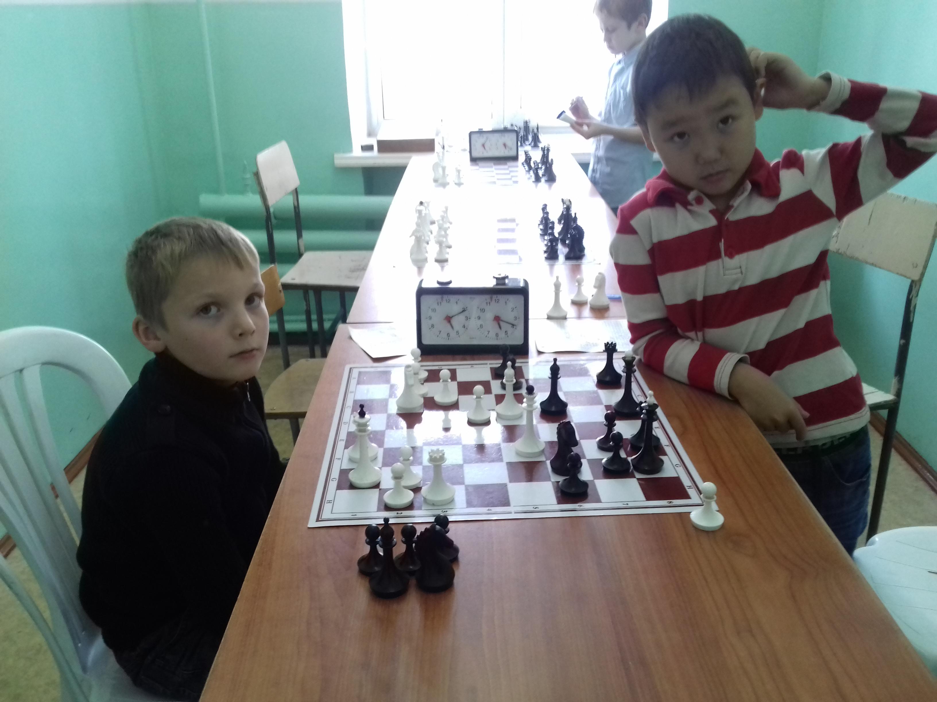 Поколение next! Айдар Кончук почесал затылок и нашёл победу против Льва Ильина.