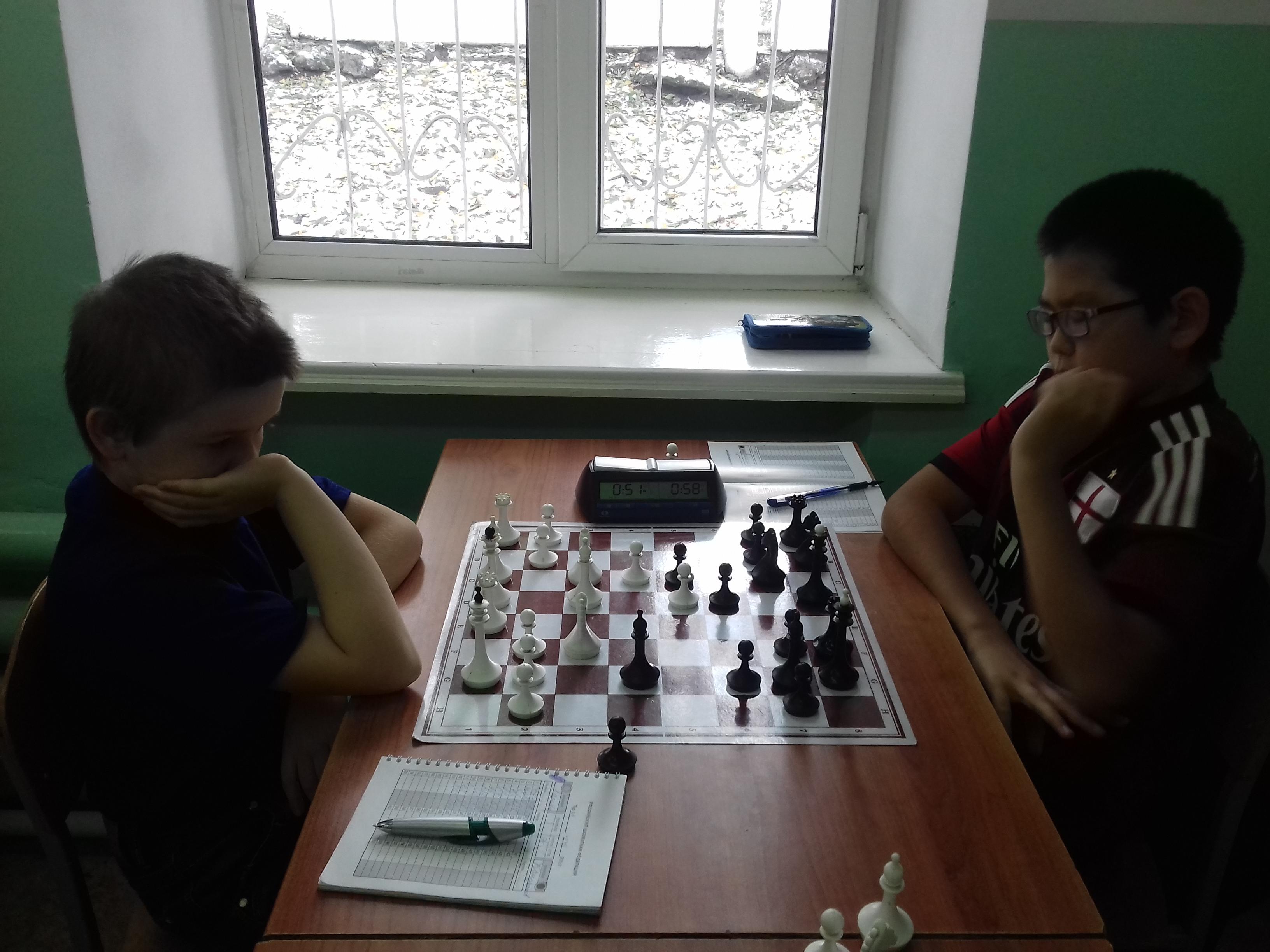 Слева победитель турнира Степан Харкевич, справа второй призёр Михаил Канзычаков.