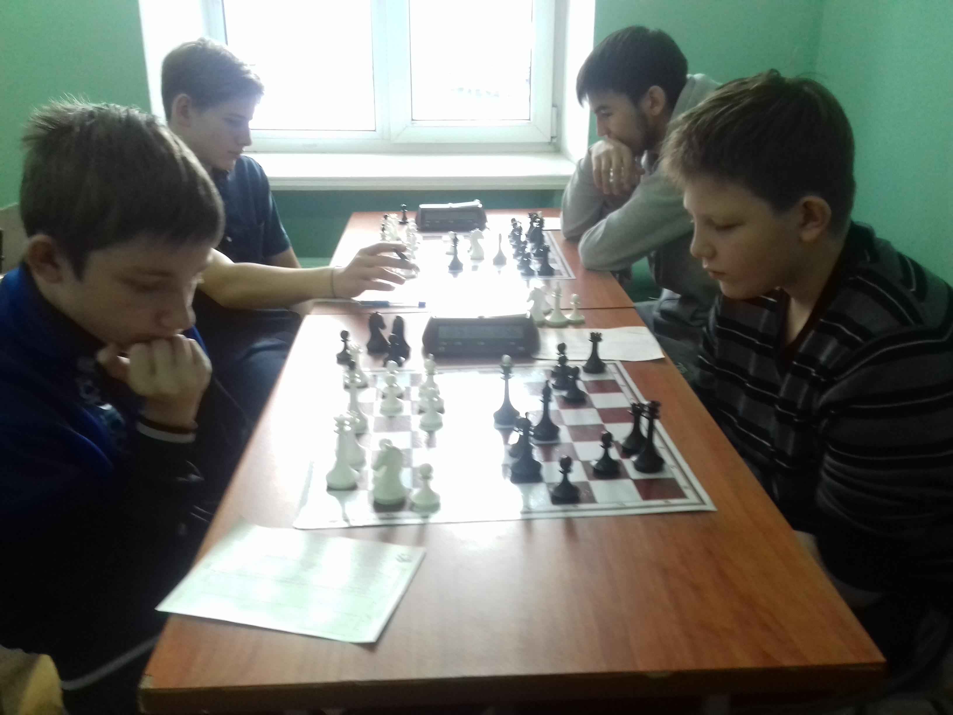 Денис Новиков(справа) - блестящий старт!